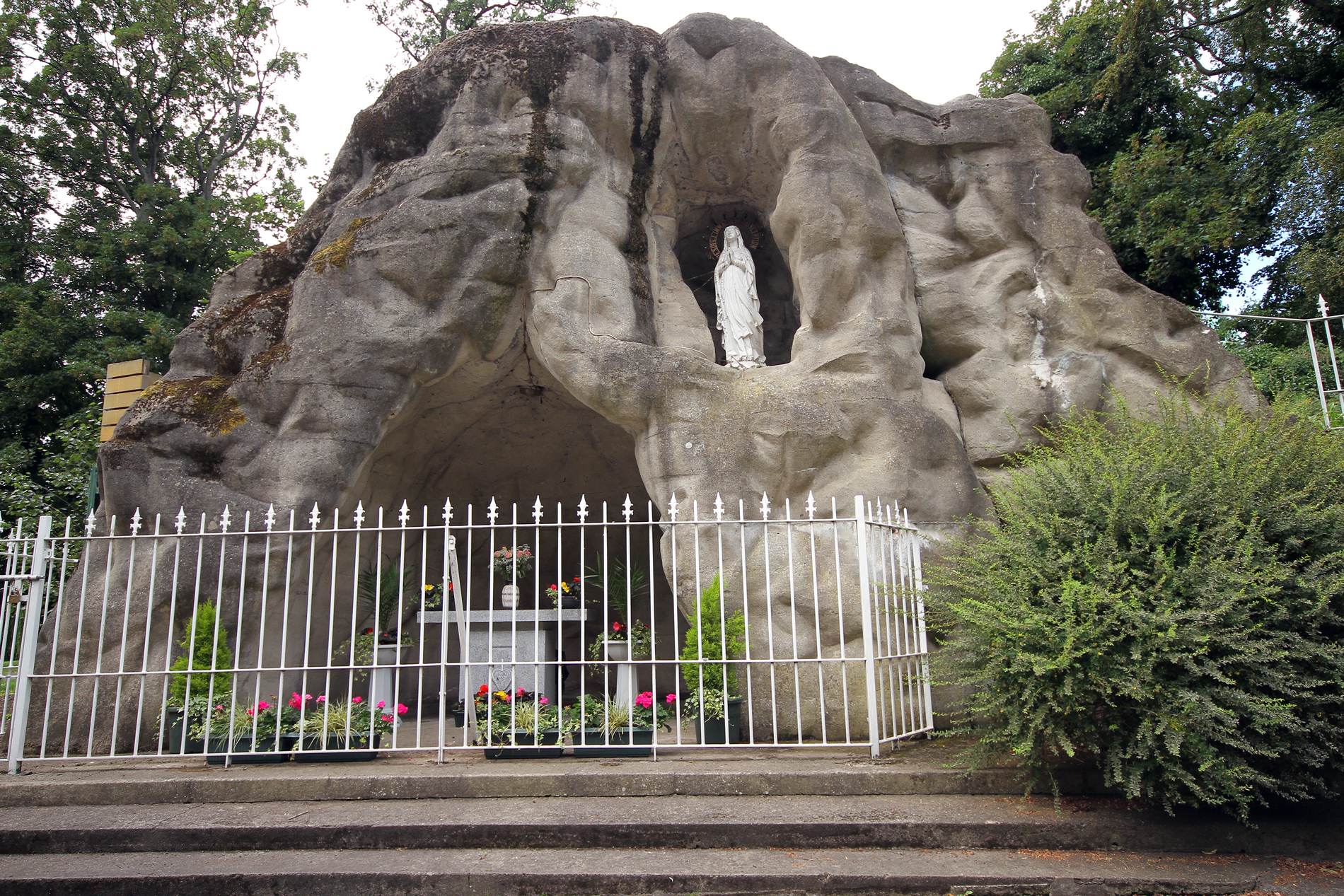 Our-Lady-at-the-grotto